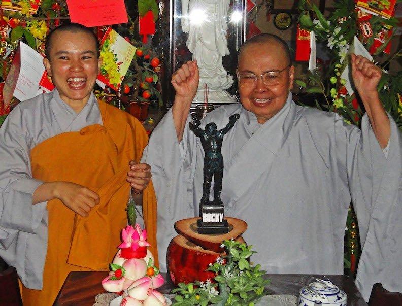 15e Rocky Buddhist nuns (3) copy 800