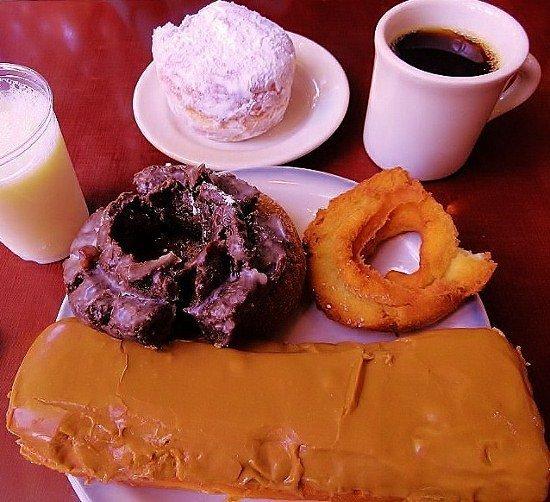 Top Pot best donuts Seattle (550x502)