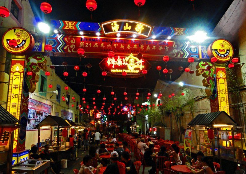 Chinese New Year Hainan food street Malacca (800x568)