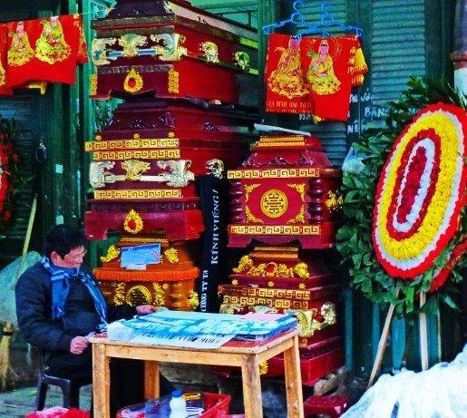 Hanoi street casket seller (515x461)