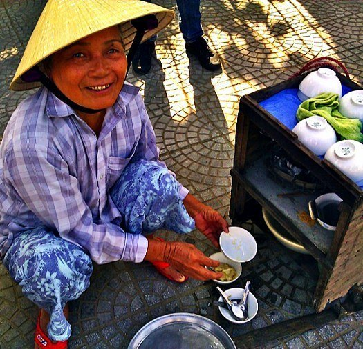 Hoi An Vietnamese food tofu custard lady