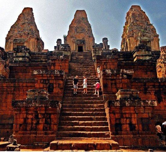 Angkor Preah Rup people on stairs