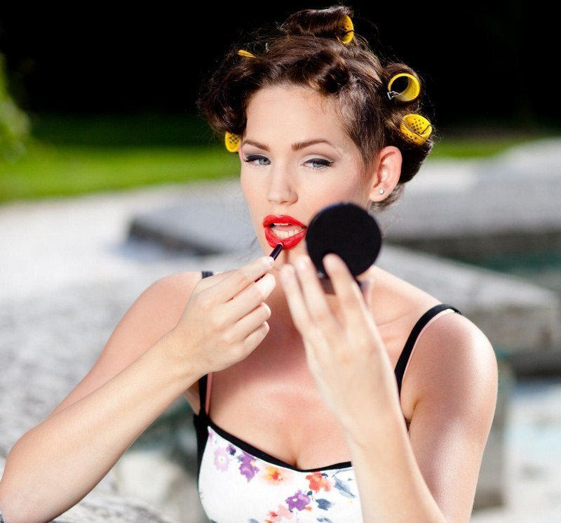 Post image for A woman's guide to cosmetics while traveling