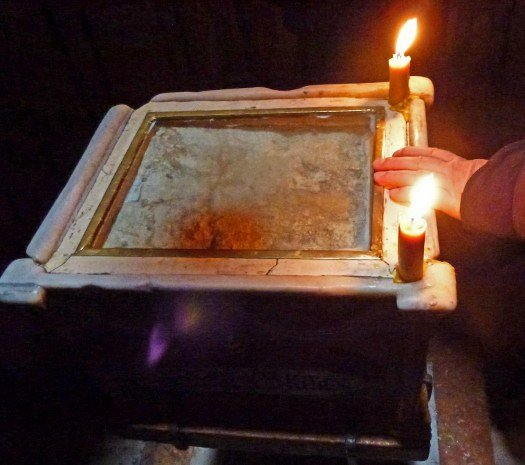 Church of Holy Sepulchre tomb of Christ (525x465)