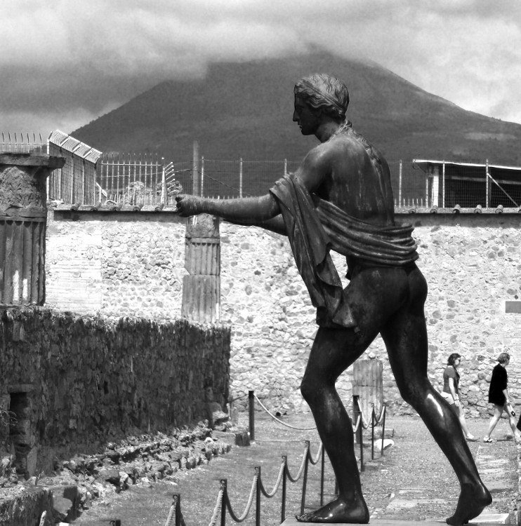 Post image for Images of Pompeii on an ash gray day