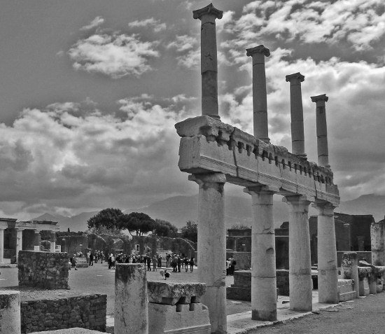 Images of Pompeii forum
