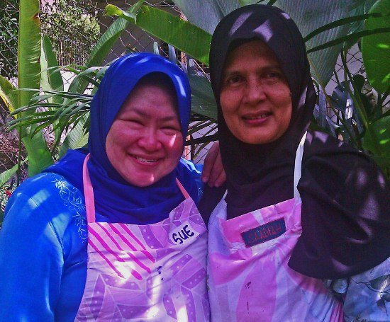 Malaysian cooking school instructors