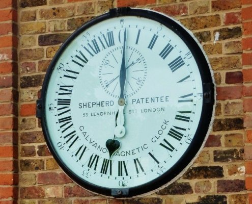 Royal Observatory greenwich magnetic clock