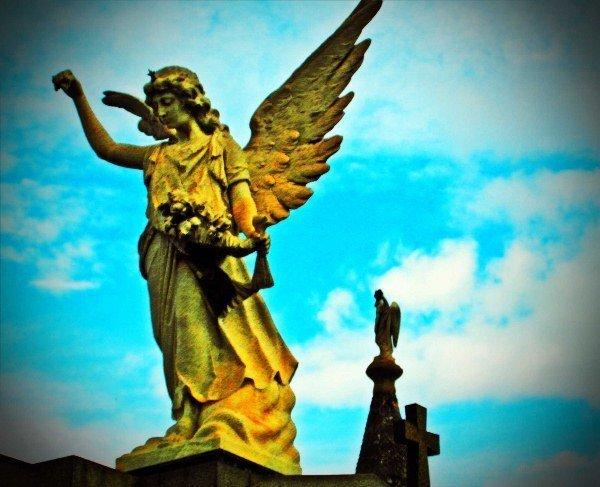 angels Evita Recoleta Cemetery