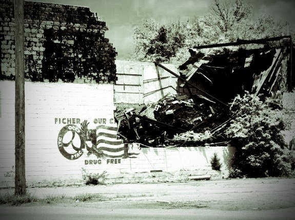 Picher Oklahoma burned out building