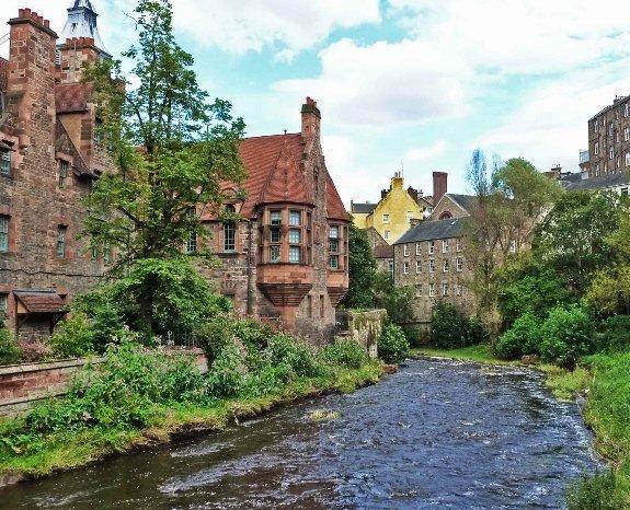 free things to do in edinburgh walking tour