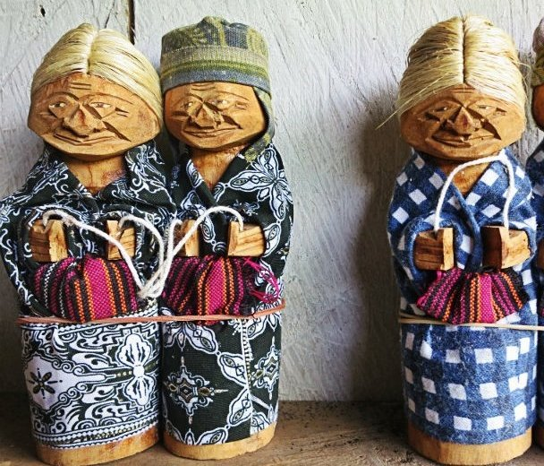 traditional Indonesian dolls in tana toraja