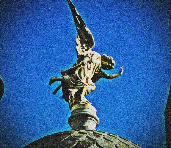 Buenos Aires Recolata cemetary angel