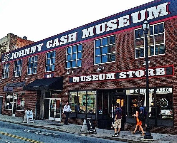 johnny cash museum in nashville exterior
