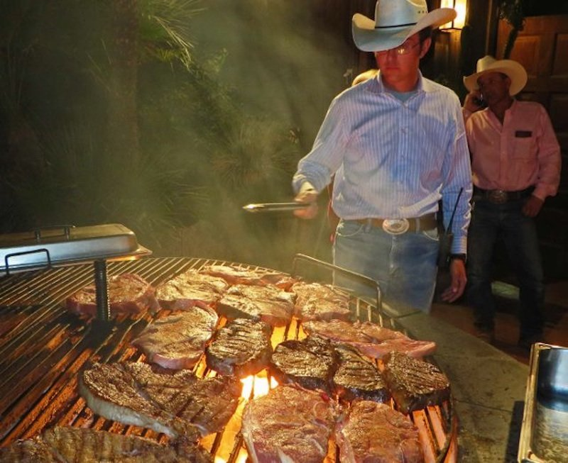 how to choose a dude ranch-white stallion cookout (640x522)