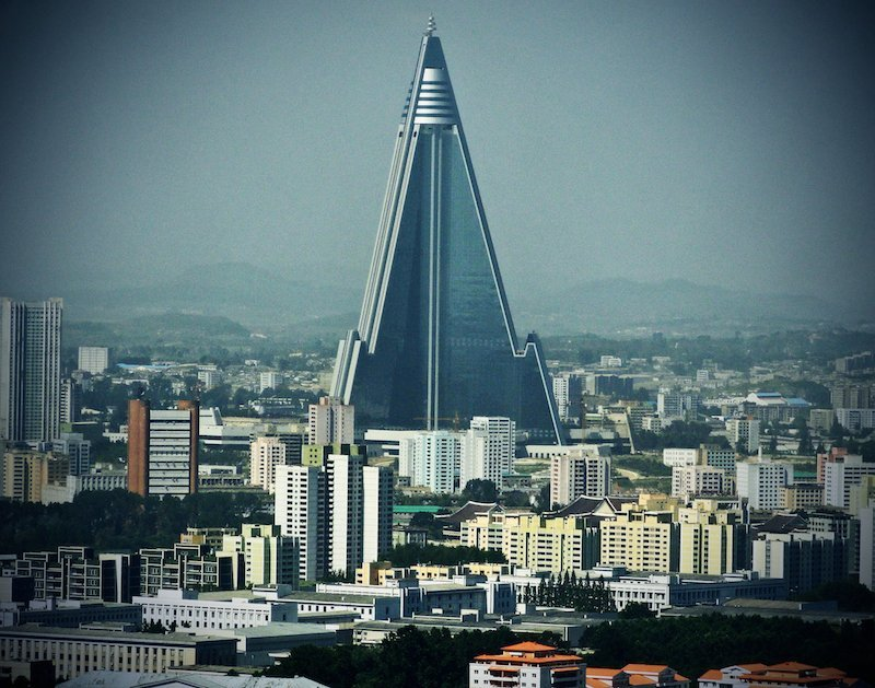 Ryugyong Hotel Pyongyang: extreme sights North Korea-Milne