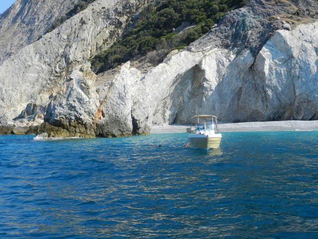 skiathos beach boat
