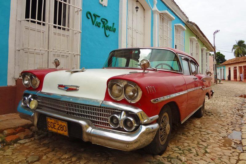 cuba vintage chevy (800x533)