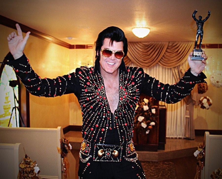 Elvis Presley rocky statue
