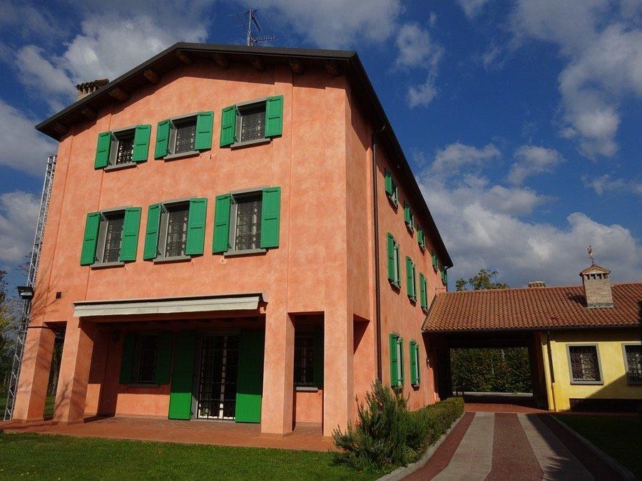Luciano Pavarotti House Museum exterior