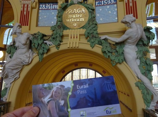 Eurail pass Prague train station