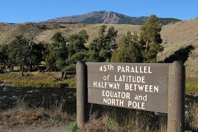 45th parallel sign Yellowstone Park