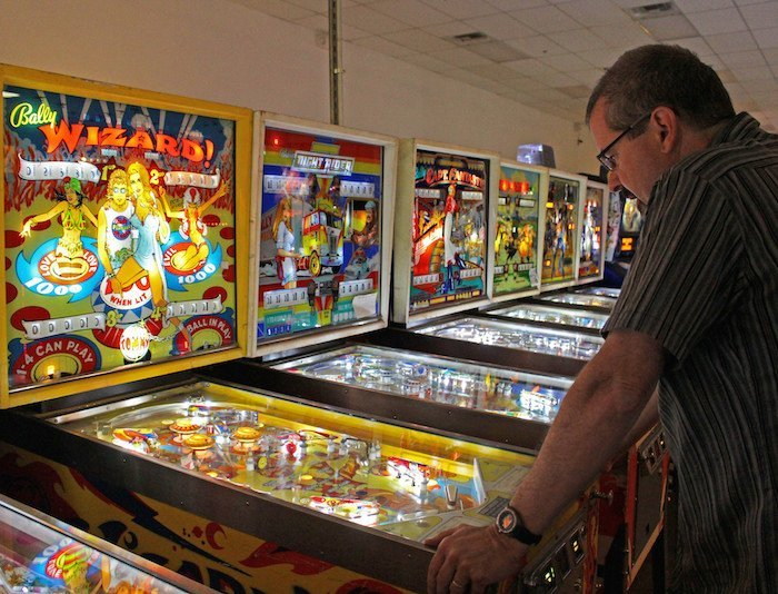 playing-at-pinball-hall-of-fame-las-vegas-america