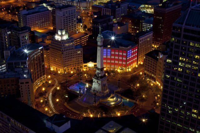 Things to do in Indianapolis-War memorials and Monument Circle
