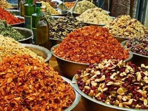 Foodie travelers in Israel